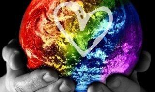 Первый виртуальный гей-парад в интернете прошел в 2011 году