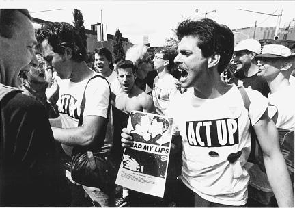 """""""Отложенная победа: Как СПИД изменил жизнь геев в Америке"""""""