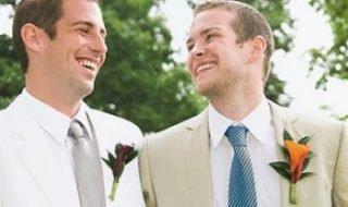 Отношения в гей-паре: Один из нас живет в «шкафу»