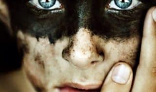 Ревность в гей-паре: как победить «чудовище с зелеными глазами»
