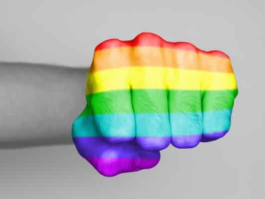 ВИЧ и стигма или Геи против… геев.