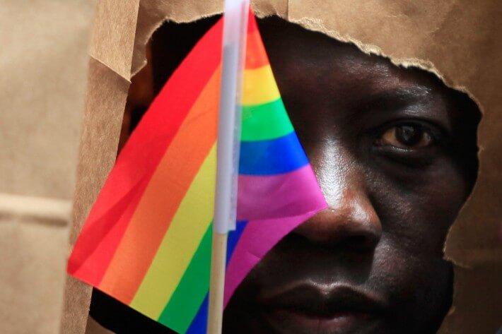 На конференцию по ВИЧ, вынуждены приглашать гей активистов