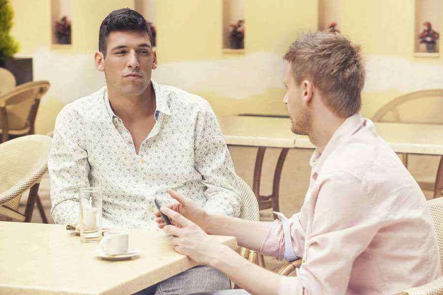 Как рассказать о своем положительном ВИЧ-статусе семье и друзьям