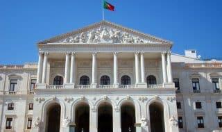 Как самостоятельно зарегистрировать однополый брак в Португалии?