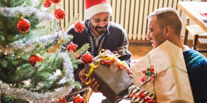 o-GAY-COUPLE-CHRISTMAS-facebook