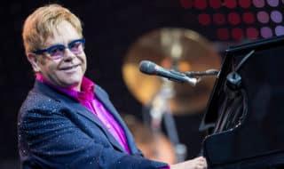 Элтон Джон отменил серию концертов из-за болезни