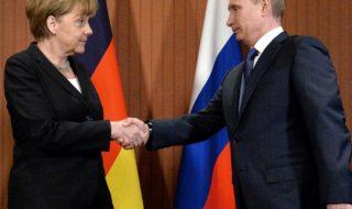 Меркель попросила Путина вмешаться в ситуацию с преследованием геев в Чечне