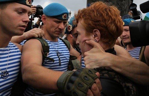 В 2017 году от рук гомофобов в России пострадало 11 ЛГБТ-активистов