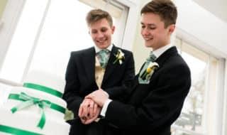 Как россиянам заключить однополый брак в Дании