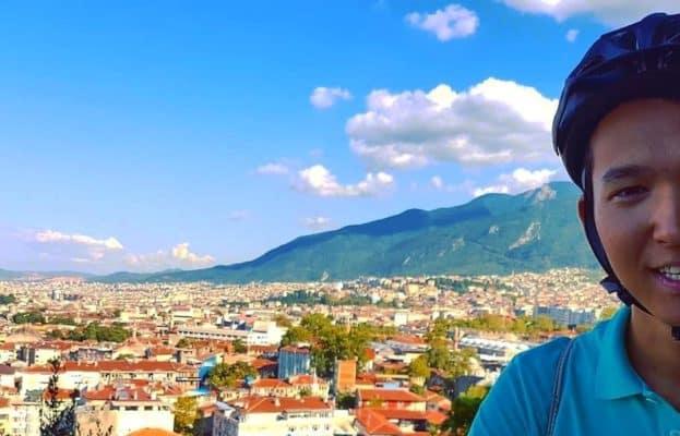 ЛГБТ-активист из Бишкека хочет покорить самые высокие горы мира