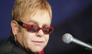 Элтону Джону – 71 год. Пять его лучших песен
