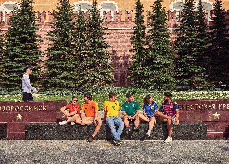 ЛГБТ-активисты из шести стран провели акцию на Красной площади