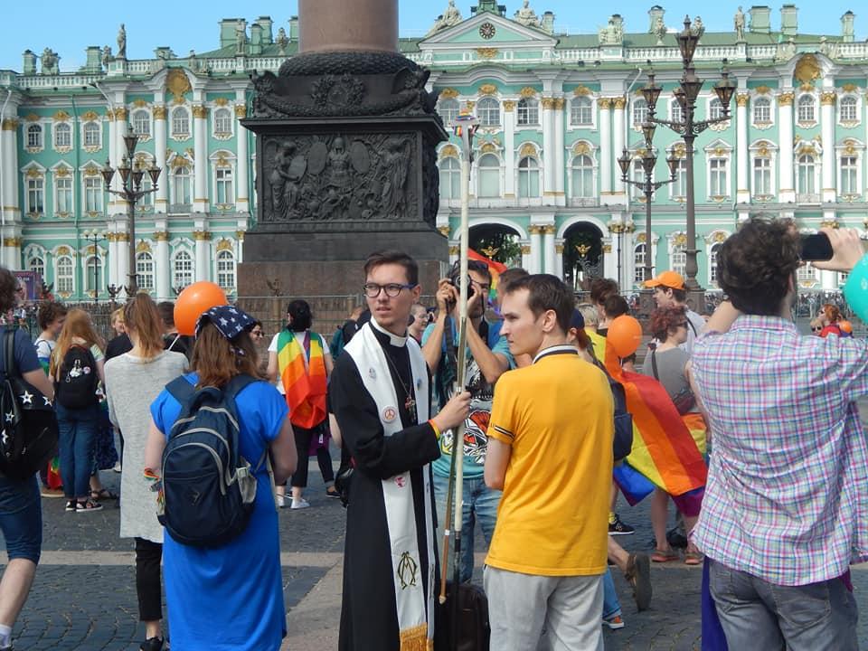 Прайд в Петербурге разозлил гомофобов (но только в сети)