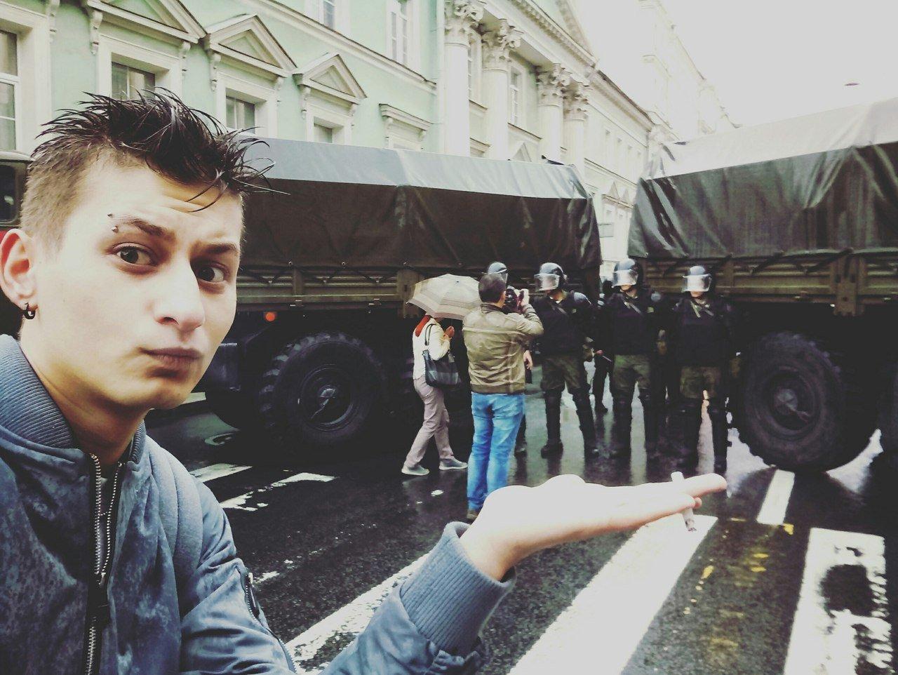 Петербургский ЛГБТ-активист о полицейских, хейтерах и автостопе