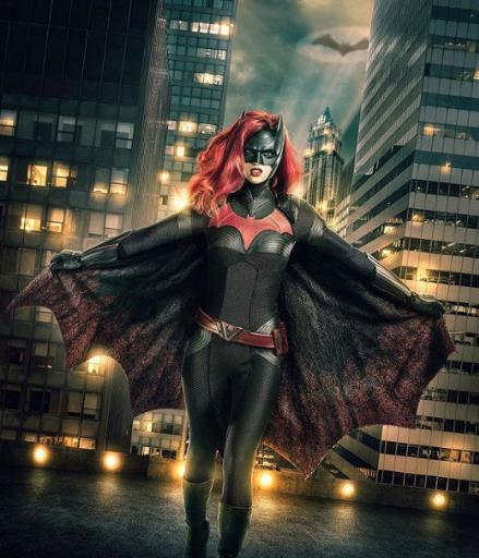 Открытая лесбиянка Руби Роуз предстала в образе Бэтвумен