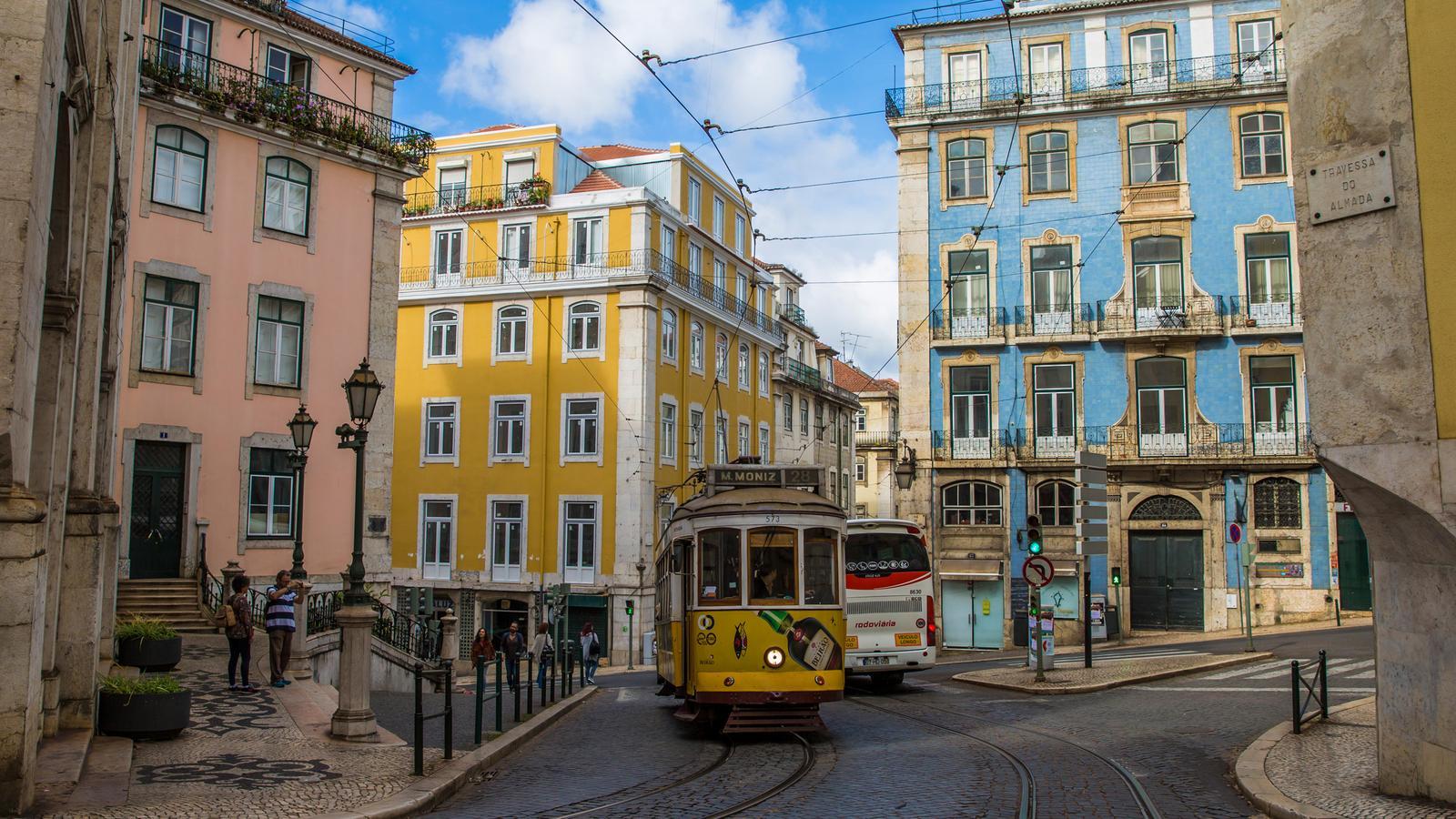 Однополый брак в Португалии самостоятельно. Как это было.