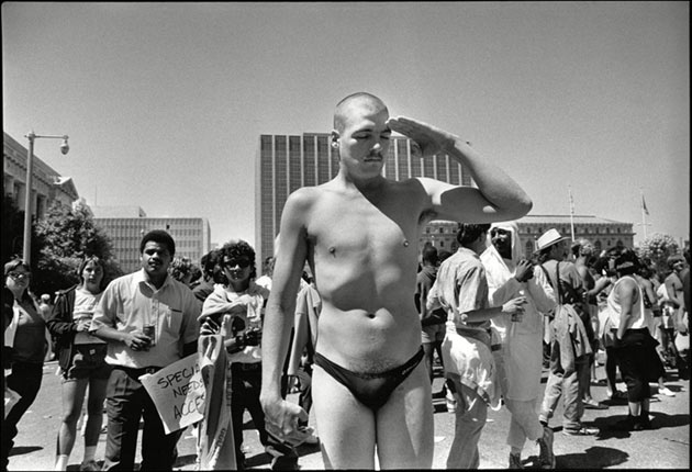 Радость, ярость и любовь: фото-хроника гей-прайдов в Сан-Франциско