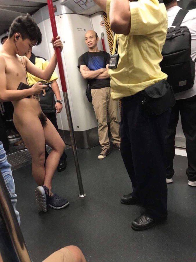В Гонконге гей-пара занялась сексом в метро