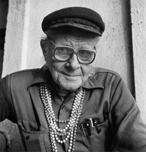 Гарри Хэй родился в 1912 году в Англии. Он является ярким политическим деятелем, борцом за права геев и лесбиянок.