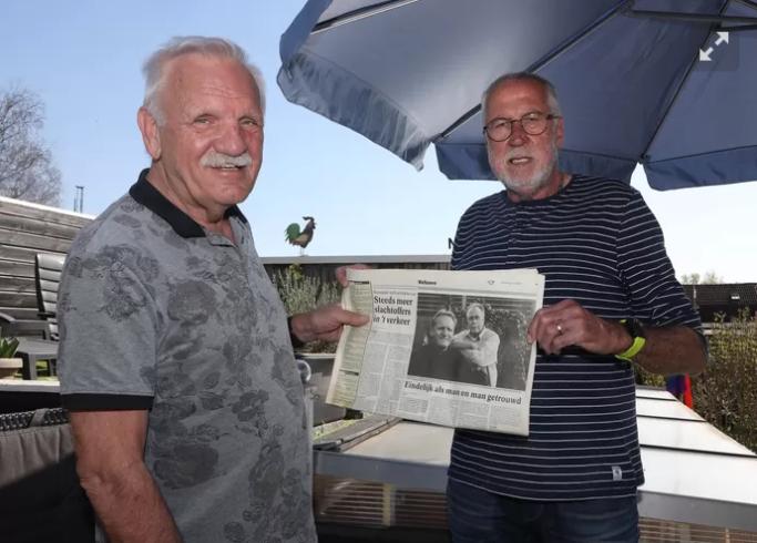 На фото Фриц Нийхофф (слева) и Ламмерт Винхёйзен. Эта гей-пара поженилась 20 лет назад и была одной из первых в Нидерландах.