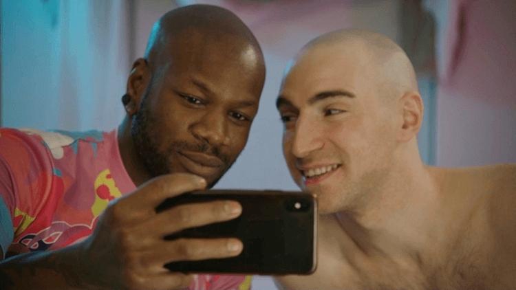 Новый тренд гей-порно: секс плюс просвещение