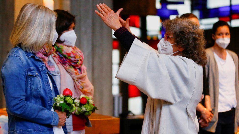 Немецкие ЛГБТ-католики находят поддержку в церкви