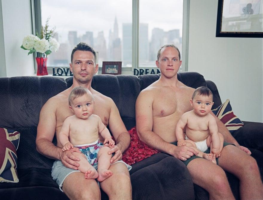 Папа + папа: гей-отцовство в фотографиях