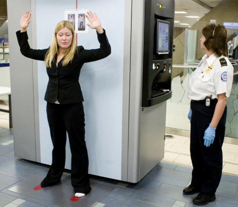 Трансгендерный подросток не смог пройти сканер в аэропорту
